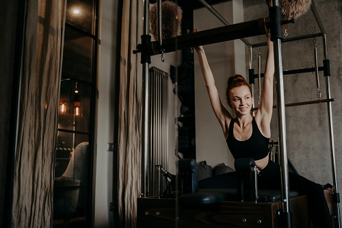 pilates reformer exercises for beginners Backstretch and knee stretch